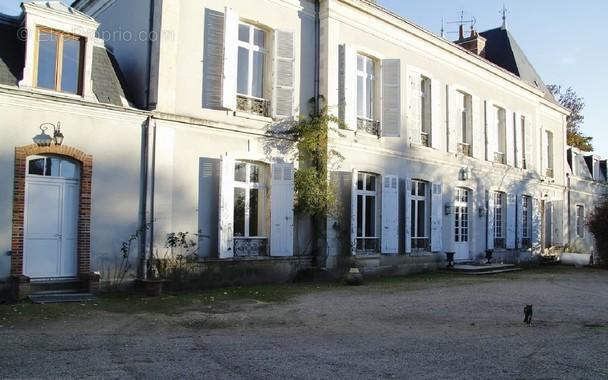 Maison à SAINT-JEAN-DE-BRAYE