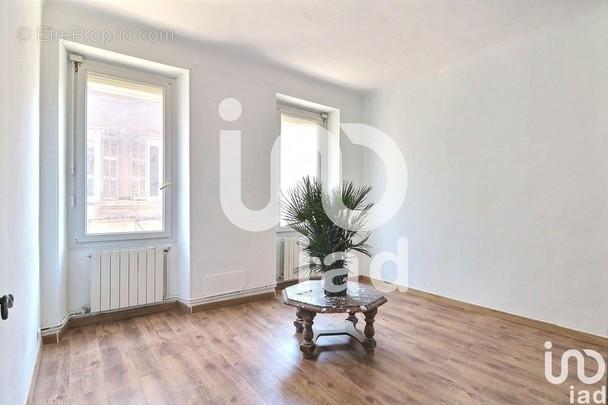 Photo 1 - Appartement à MARSEILLE-4E