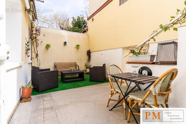 Appartement à MARSEILLE-5E