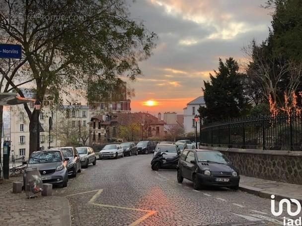 Photo 1 - Parking à PARIS-18E