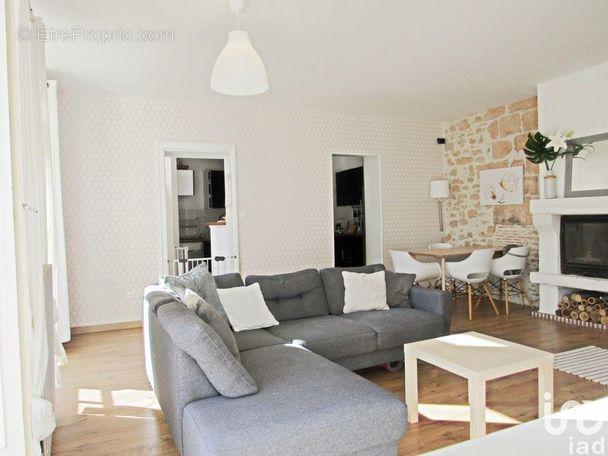 Photo 2 - Maison à SAINT-BENOIT