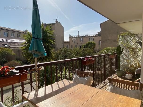 Appartement à MARSEILLE-1E