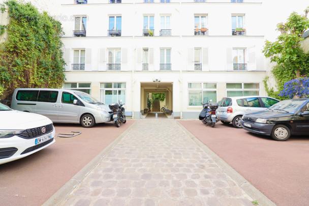 Appartement à PARIS-20E