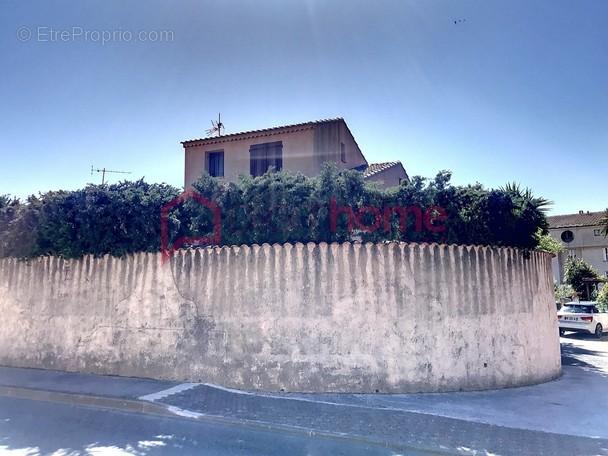 Maison à SOLLIES-PONT
