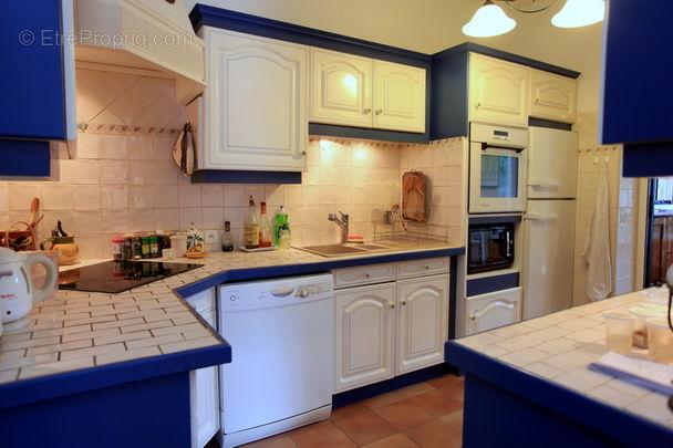 Cuisine - Maison à MOUGINS